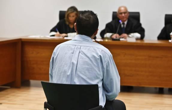 ¿Existen abogados especializados en la defensa de hombres?